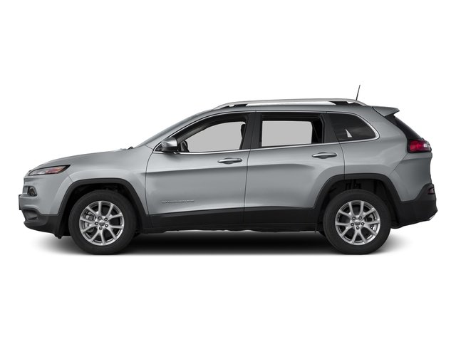 Pre-Owned 2017 Jeep Cherokee LATITUDE 4WD COLD
